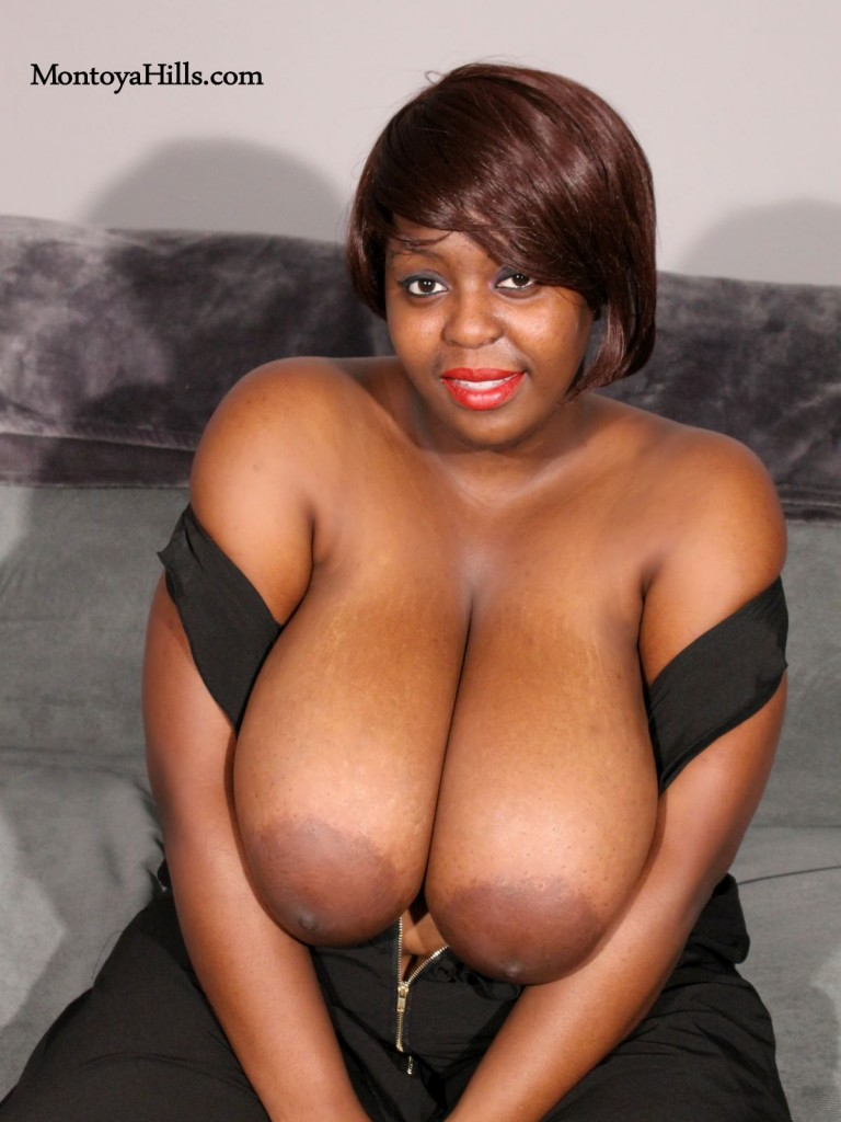 Montoya Hills exposes her huge black, all natural tits.
