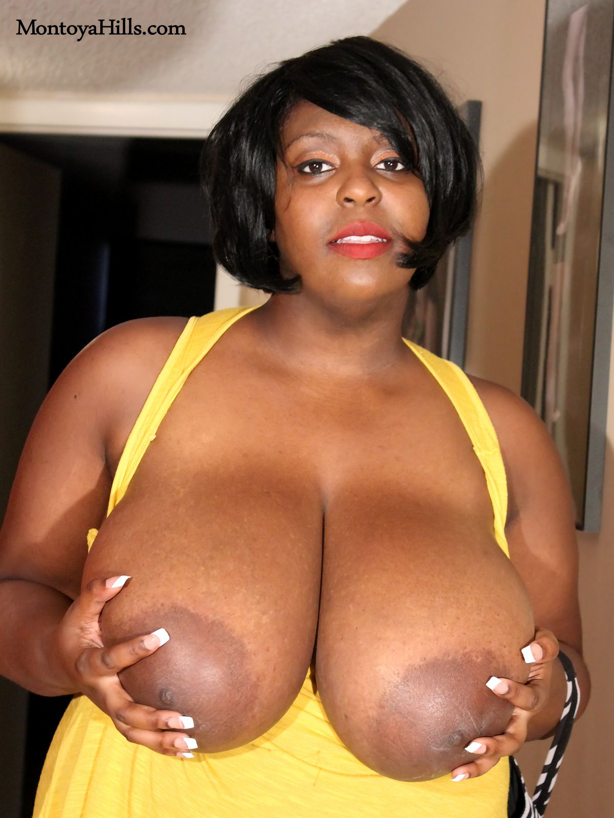 Huge Black Ebony Tits
