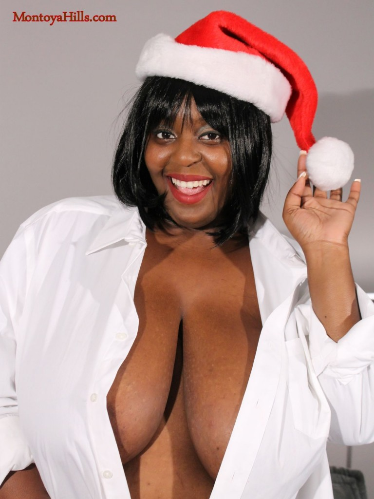 Montoya Hills enjoys the Christmas season showing off her deep cleavage